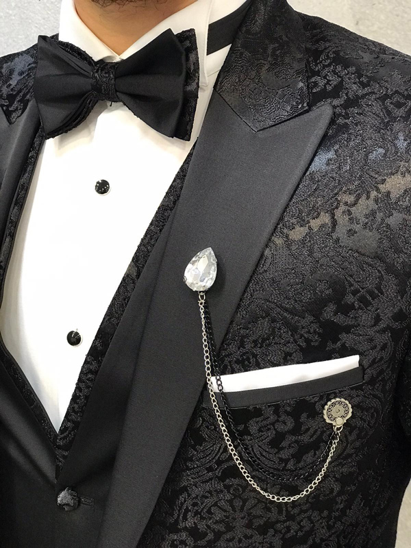 Ideas & Inspiration for Groom's Suit