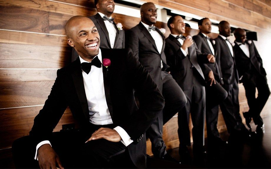 Must-Have Groom and Groomsmen Pictures by BespokeDaily Blog